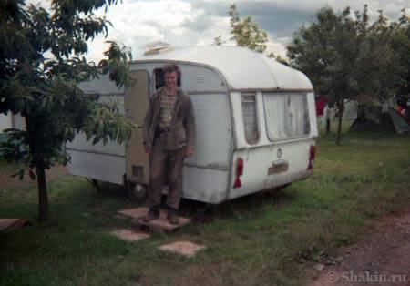 Я со своим караваном. Моя рабочая одежда быстро выцвела на солнце