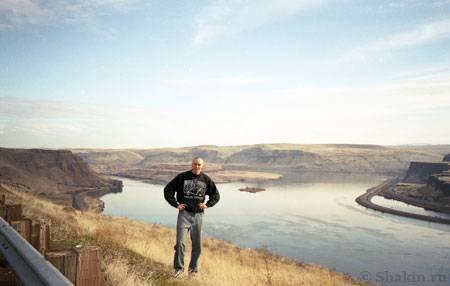 Река Колумбия на границе штатов Орегон и Вашингтон