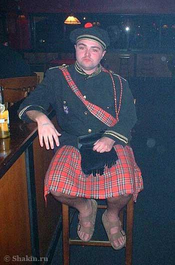 Хэллоуин шотландец в национальном костюме