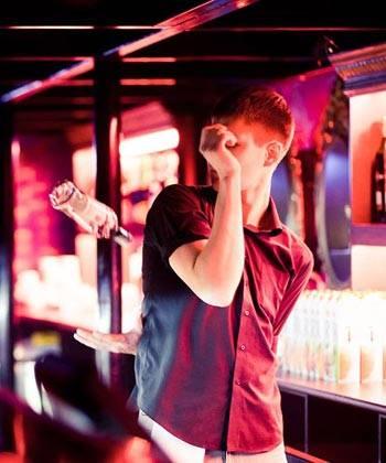 Пётр Александров бармен