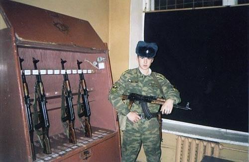 Александр Борисов с автоматом