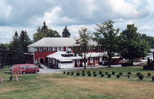 Вид на главное здание