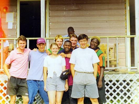 Вожатые кабины 5 в Camp Catskill в 1998 году