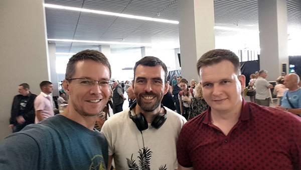 в аэропорту с Яром и Димком