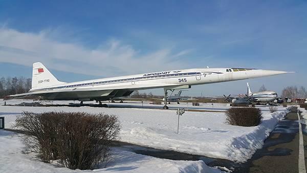 самолет ТУ-144