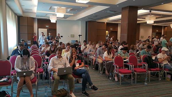 Перед началом конференции