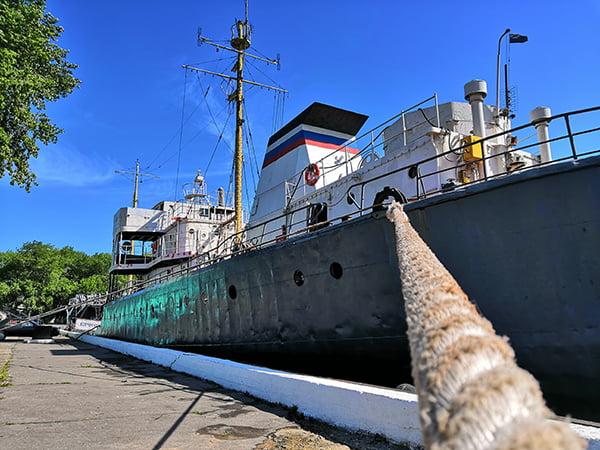 корабль в Балтийске