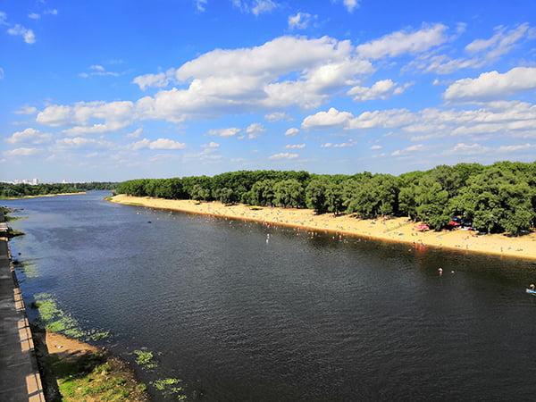 В Гомеле отличный пляж на реке Сож